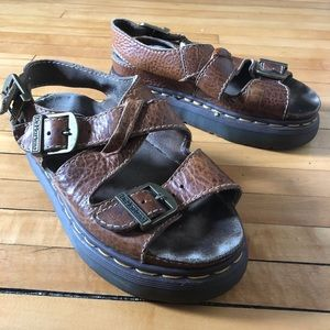 ~dr martens tan & brown fisherman sandals~ uk5 us7